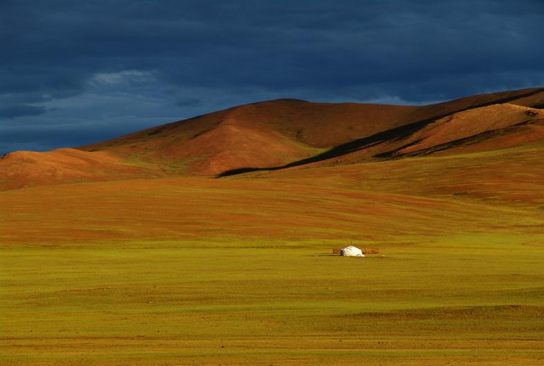 Gewitterstimmung in der Steppe - Mongolei