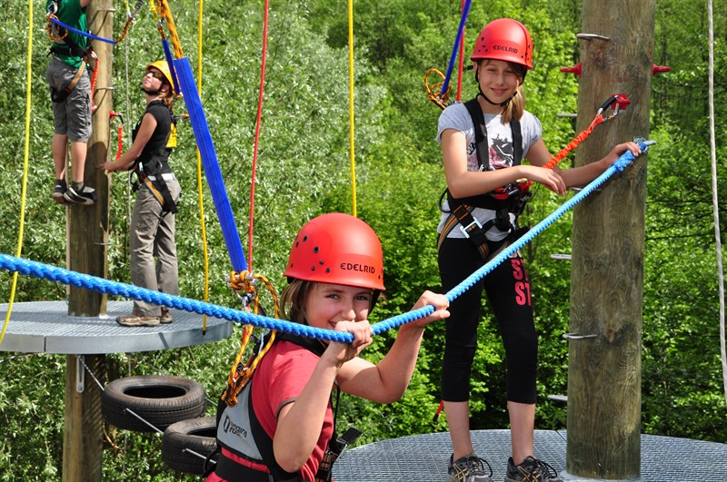 Klettern im Hochseilgarten: ein Abenteuer für Groß und Klein (Foto: A. Pirker)