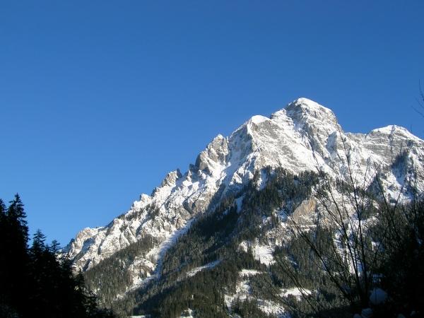 Grandiose Kulisse: Das Hochtor (2.396m) im Gesäuse